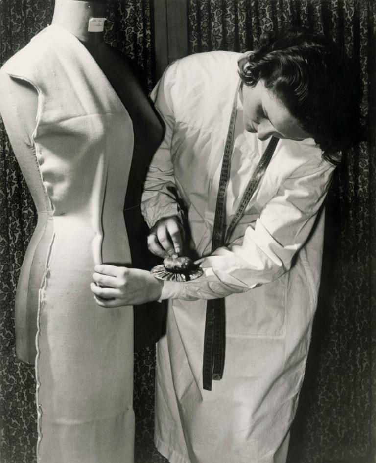 A scuola per diventare sarta, 1962