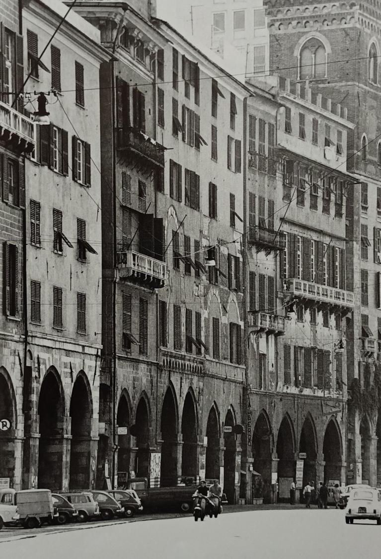 I portici di Sottoripa a Genova, Pepi Merisio
