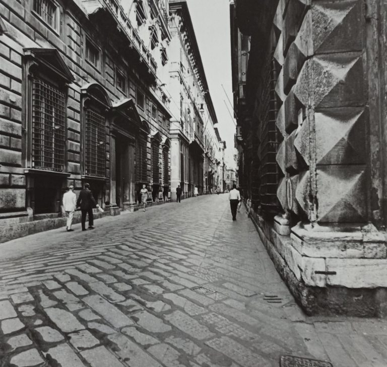 Via Garibaldi a Genova, Pepi Merisio